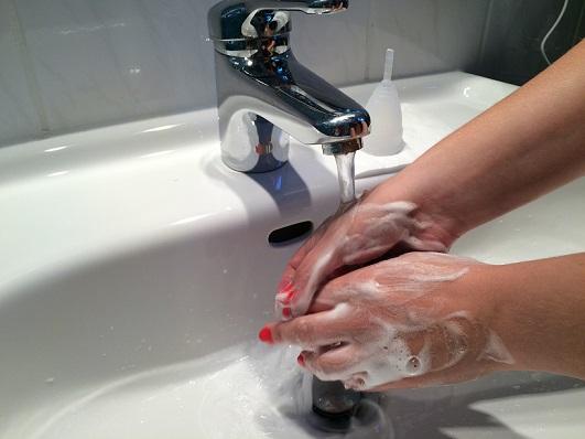 Menstruationstasse Reinigung